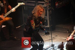 kim-wilde-performing-live-in_4959744